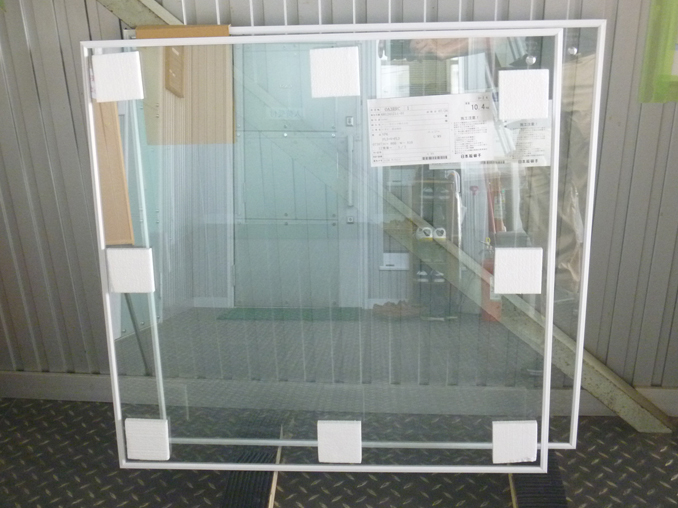 ガラス(真空ガラス クリアFit)の発送梱包時の様子