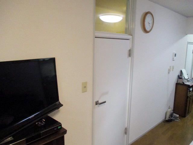 リビング 室内防音ドア+真空ガラスクリアFIT 施工後