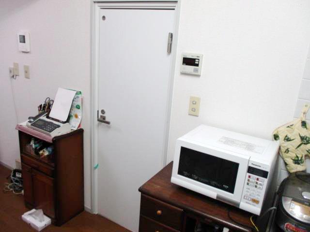 洗面所室内防音ドア施工後