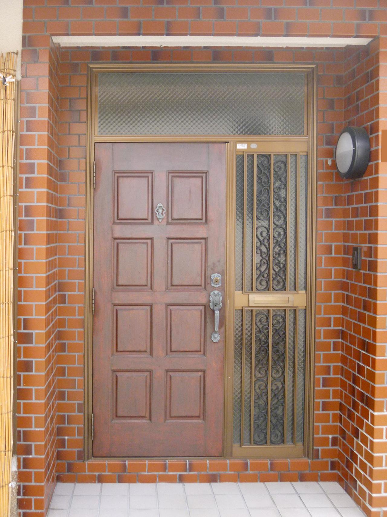 01既存玄関ドア施工前