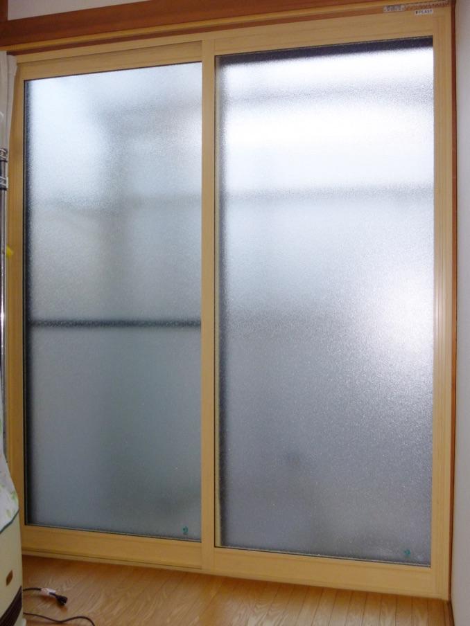 寝室 掃き出し窓:内窓プラスト+防音ガラス12mm 施工後