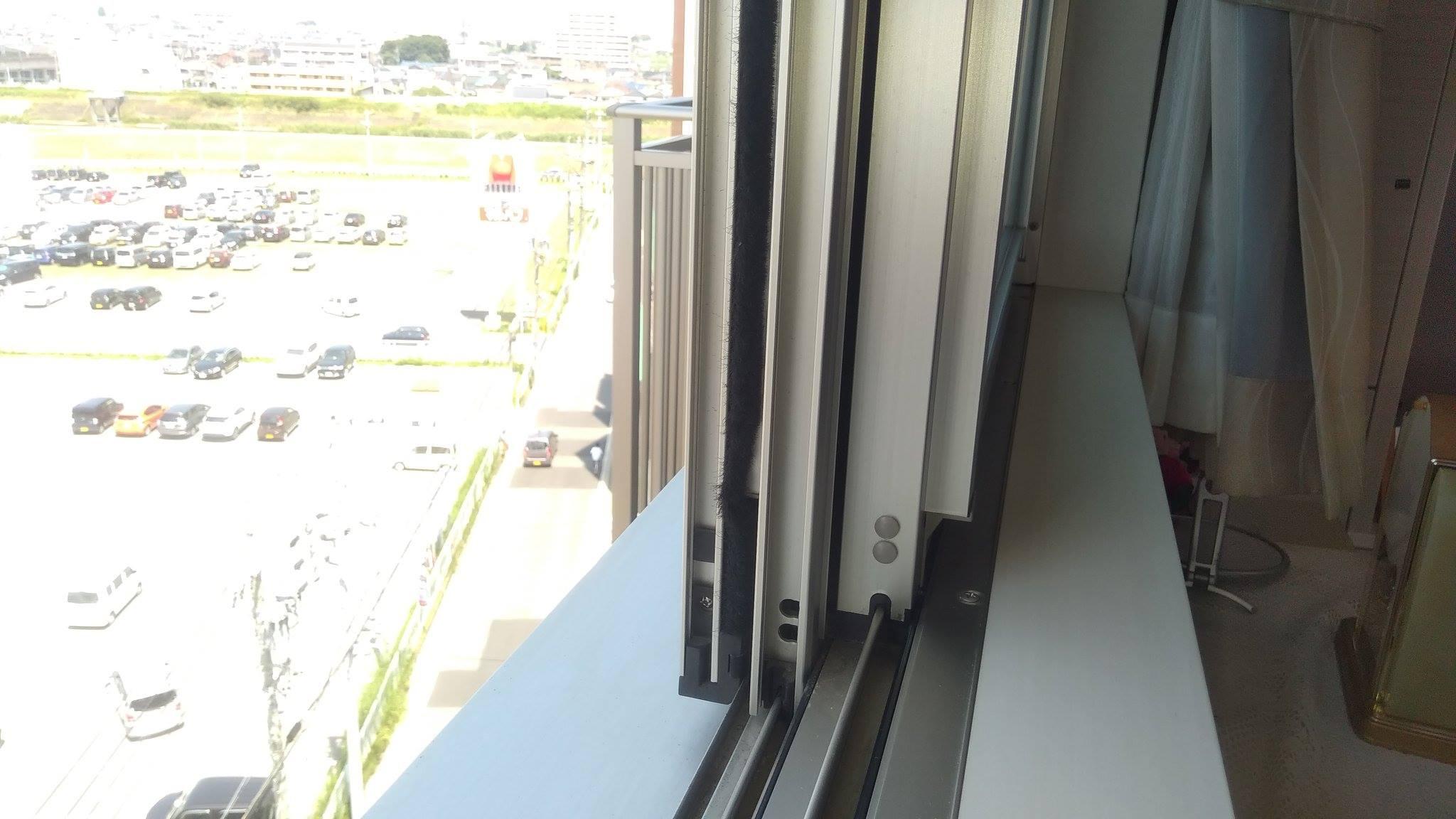 お客様に送っていただいた設置前の窓の写真