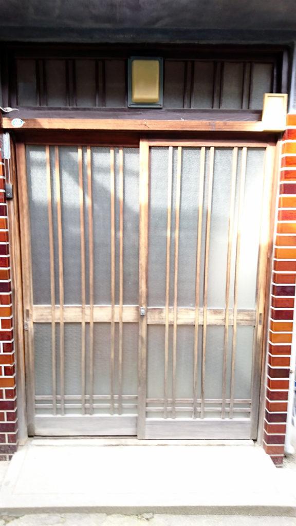 施工前の玄関引戸