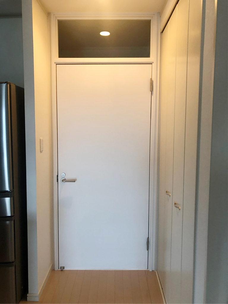 廊下 室内防音ドア&防音合わせガラスランマ 施工後