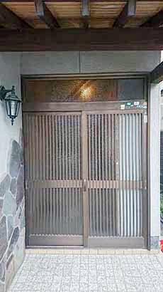 施工前の玄関引戸(外観)