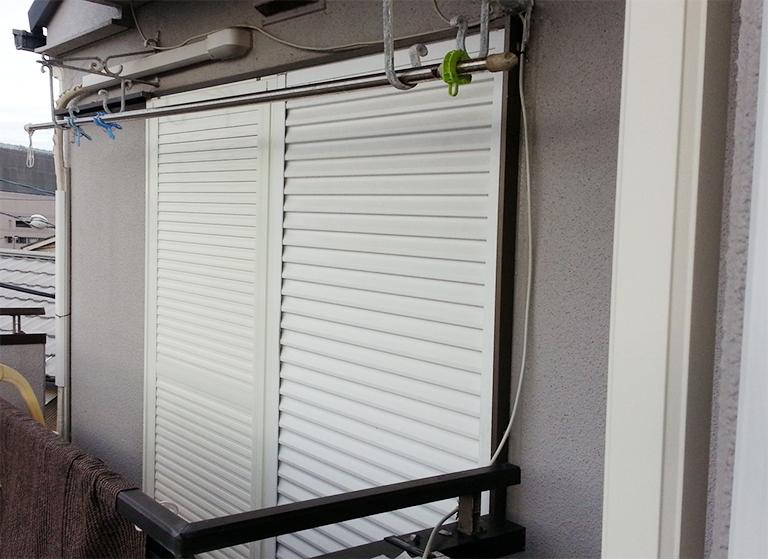 エコアマド外側DIY設置後(左側の雨戸、お客様撮影)