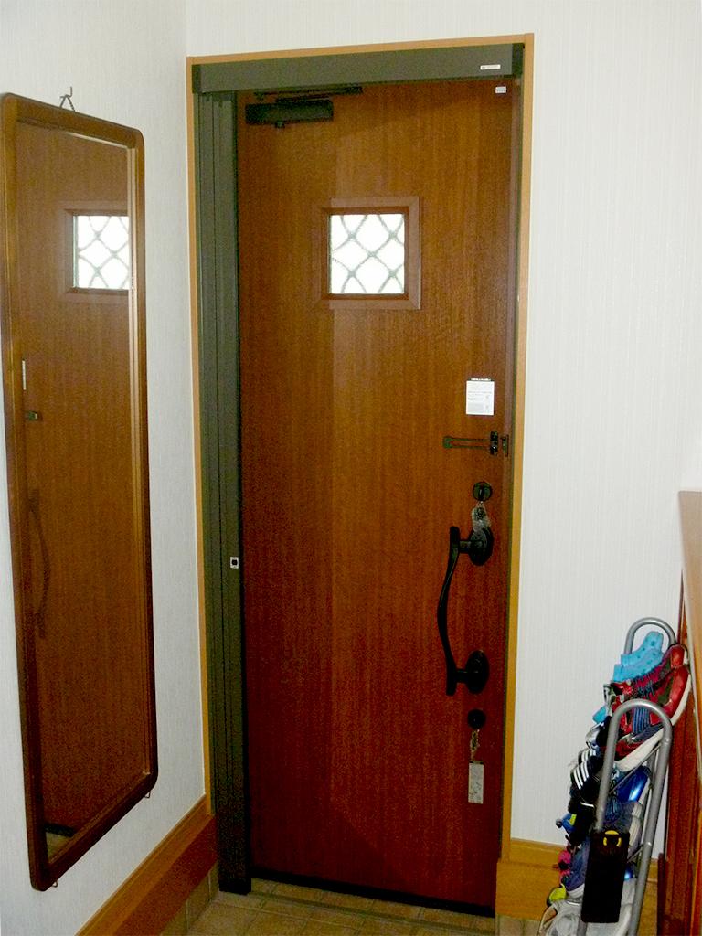 玄関ドアリフォームリシェント施工後(内側)