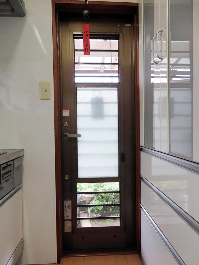 設置前の既存勝手口ドア